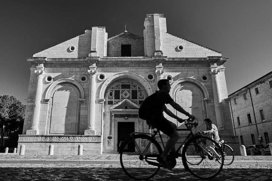 Visit Rimini RIMINI SVELATA. Da Giulio Cesare a Federico Fellini