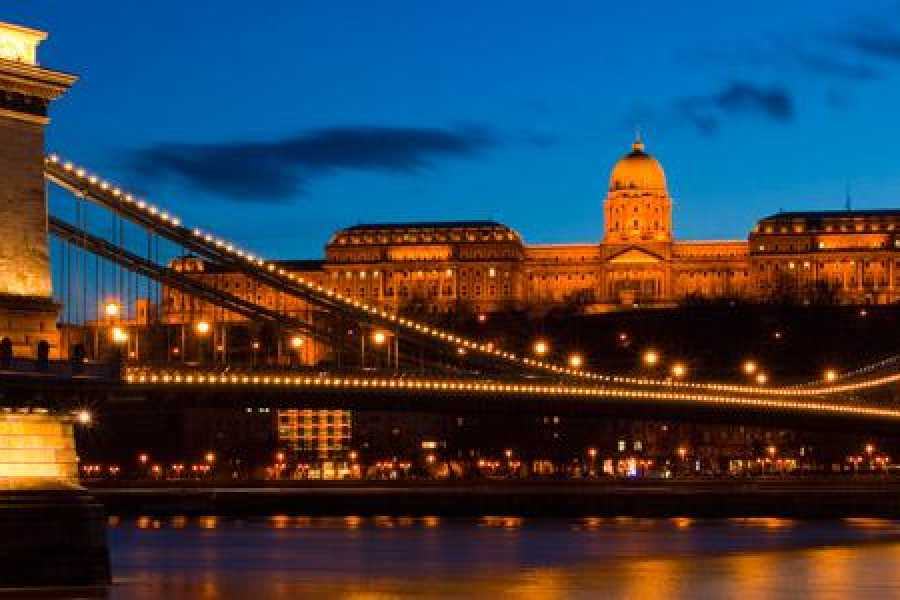 Living Local Hungary Online Budapest tour