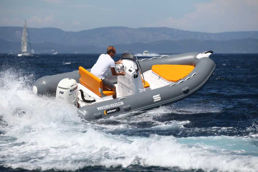 VisitRimini The sea in freedom. Rubber dinghy rental