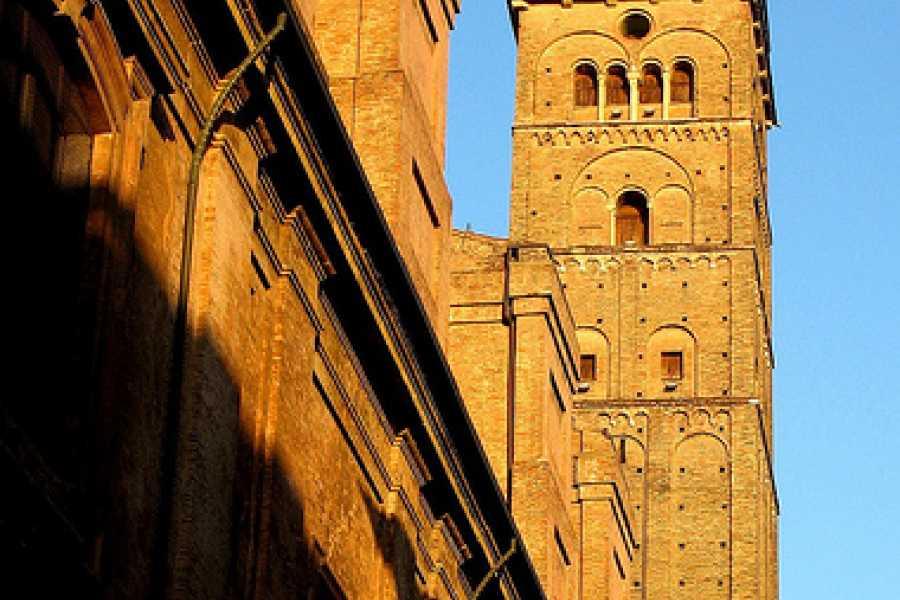 Bologna Welcome Per chi suona la campana - Alla scoperta dei campanili di Bologna