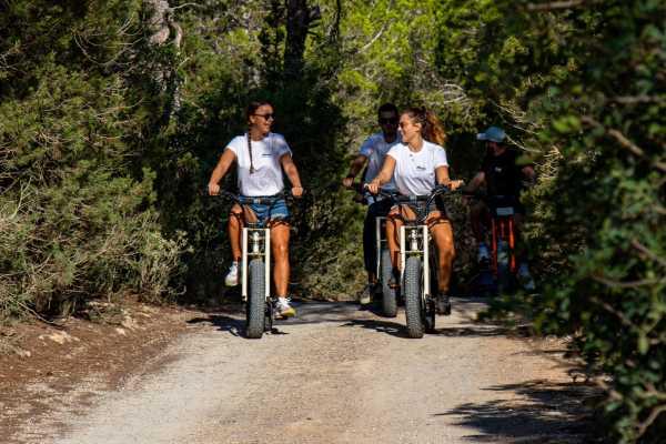 """""""Easy Riders"""" E-Bike Tour"""