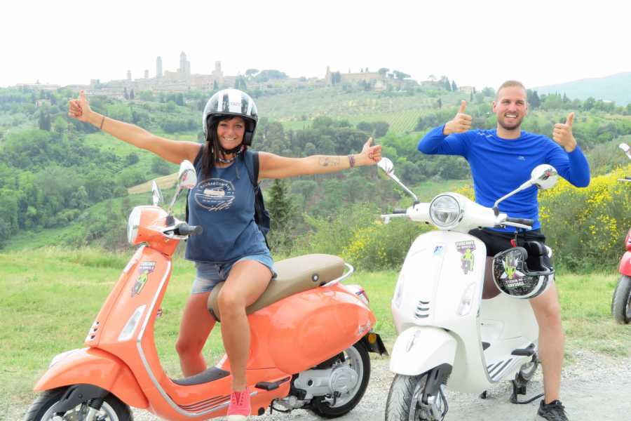 Italy on a Budget tours CHIANTI SUNSET VESPA TOUR FROM SAN GIMIGNANO