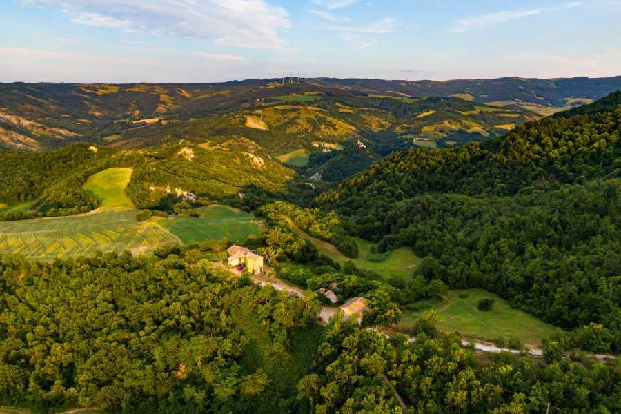 Bologna Welcome Alle sorgenti di una valle incantata: i luoghi ancora incontaminati della nostra storia, che videro la nascita della nostra civiltà