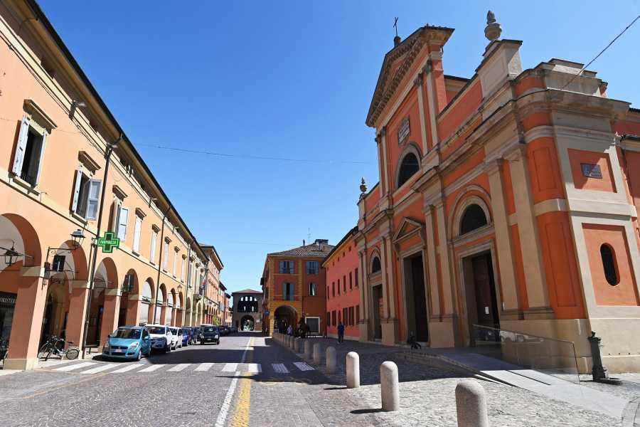 Bologna Welcome I luoghi che hanno dato i natali alla grande Giulietta Masina, in uno dei centri storici più belli e meglio conservati della nostra pianura