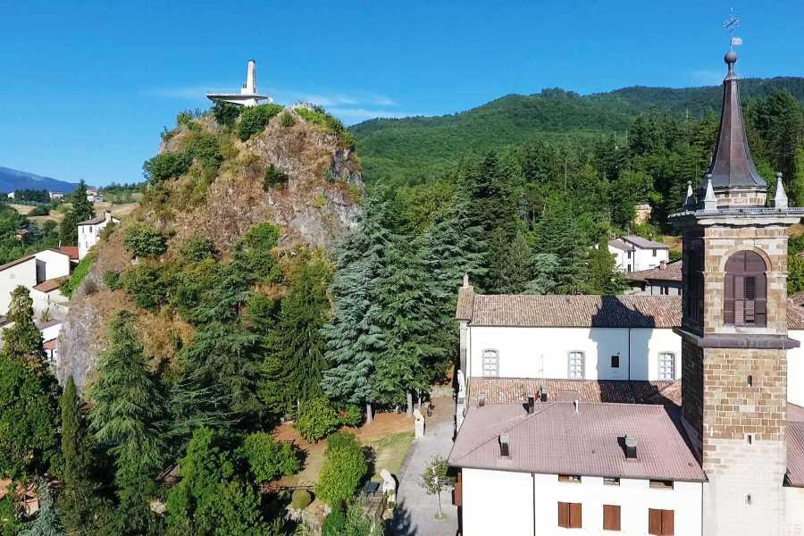 Bologna Welcome Quel Faro tra le vette per un indimenticabile belvedere appenninico