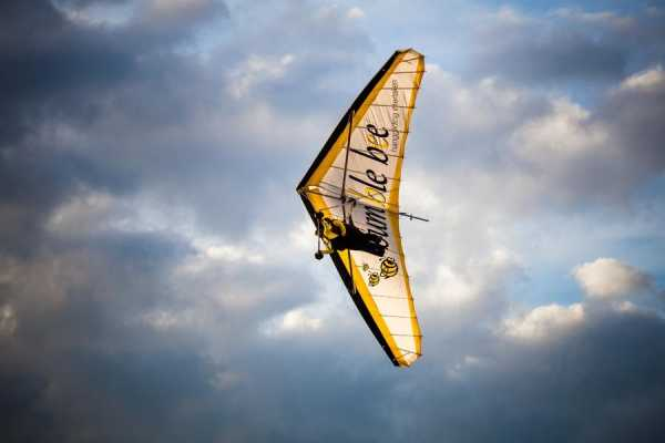 Hanggliding Tandem-Flights by BumbleBee