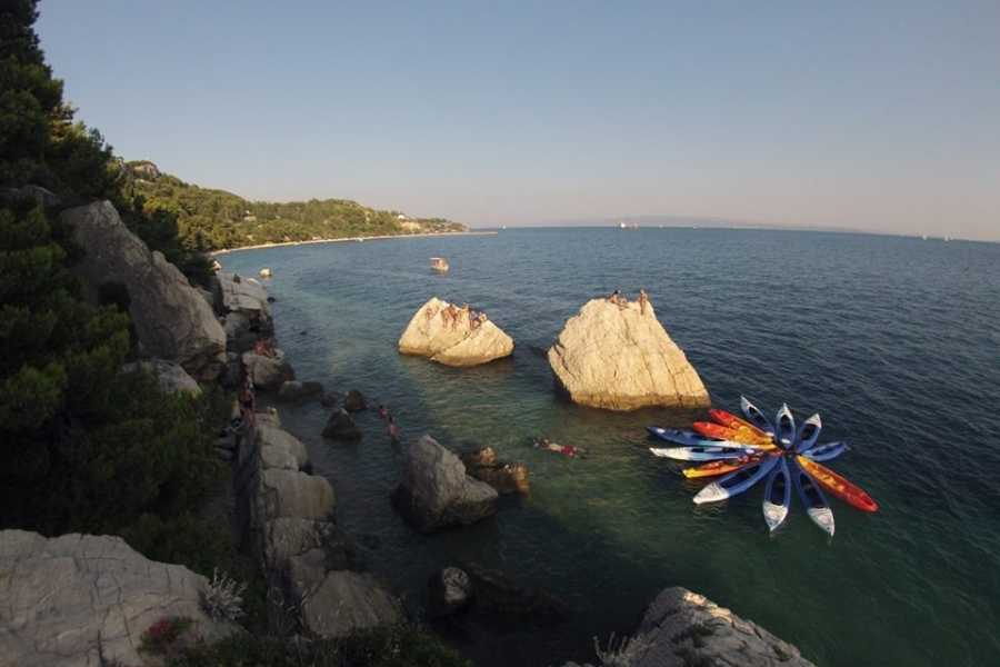 Bus2Alps AG Croatia Sea Kayaking