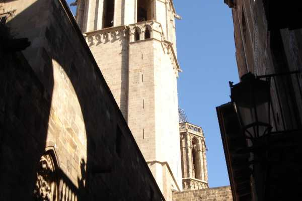 "ICONO Serveis Culturals ""Stories and legends of the Gothic Quarter"""