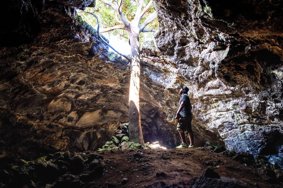 Green Island Tours-Easter Island Full Day- Terevaka/ Ahu Te Peu/ Caves