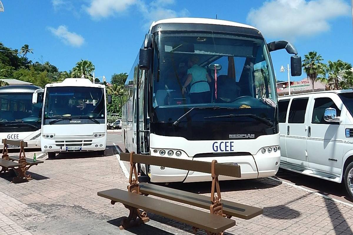 Aqua Mania Adventures SIGHTSEEING TOURS BY BUS