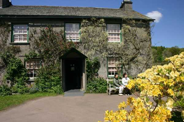 Lake District Tours TOUR A - Beatrix Potter Excursion 3 from London