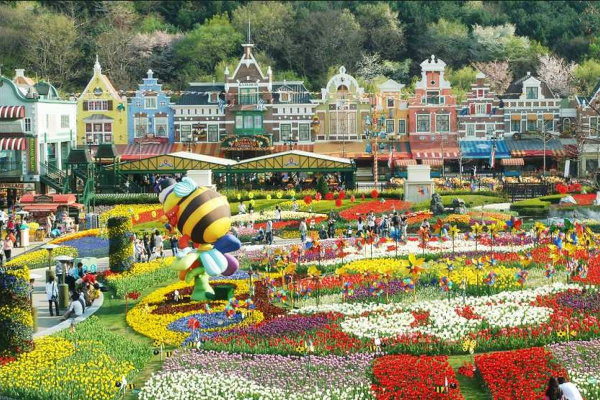 Kim's Travel 14 Everland Theme Park & Dragon Hill Spa