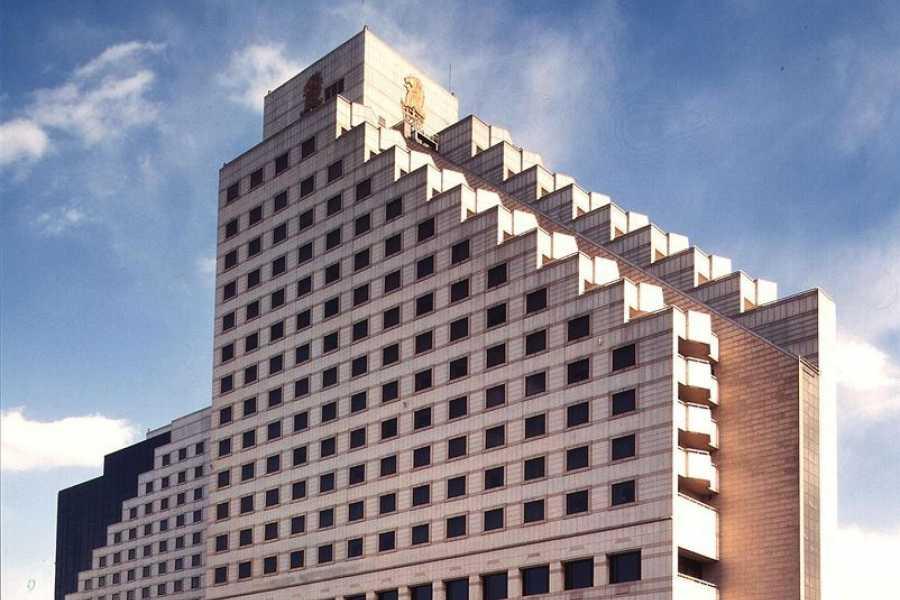 Kim's M & T Ritz-Carlton Hotel