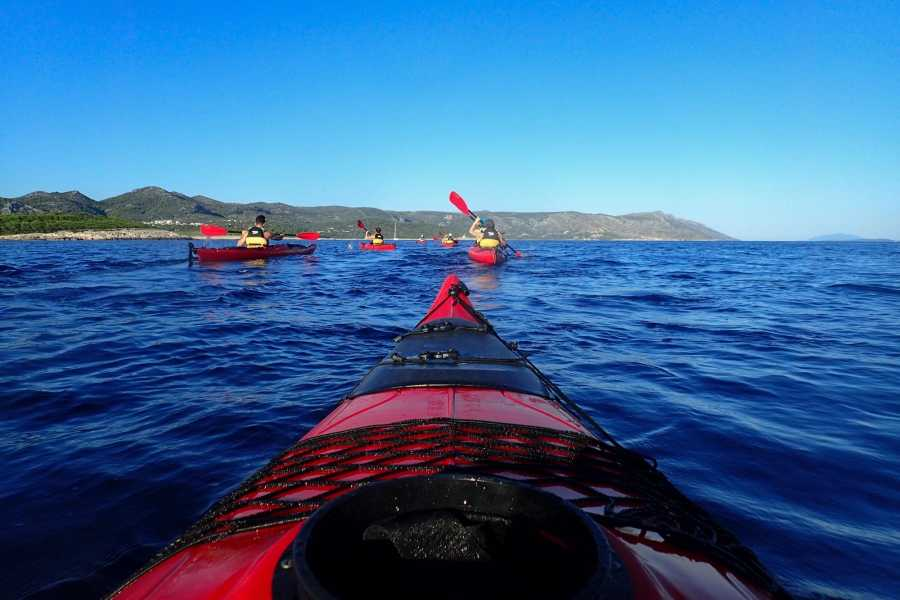 Aktivni Odmor Sea kayaking from Hvar
