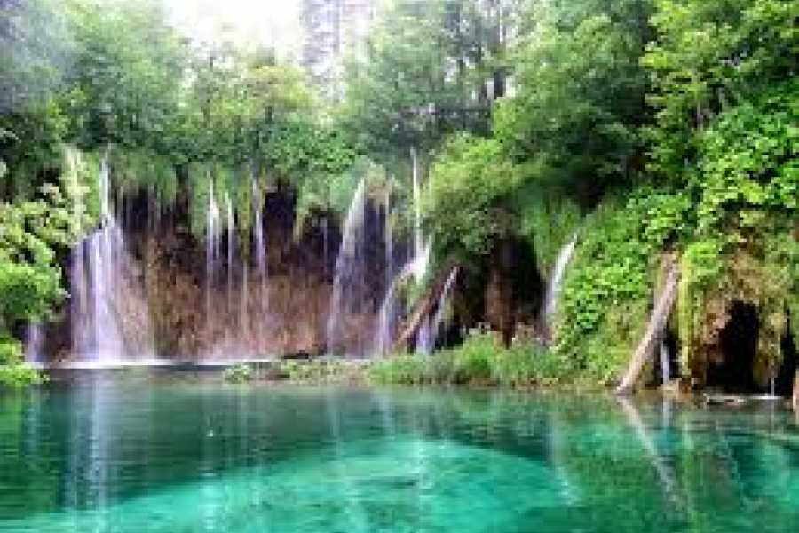 PORTAL TRAVEL AGENCY Plitvice Lakes tour from Split with TRANSFER to Zagreb
