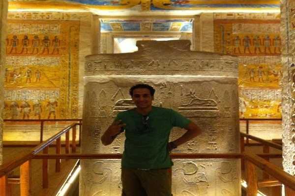 EMO TOURS EGYPT LUXOR EXCURSÕES VISITA HABU TEMPLO DE VALE DE TRABALHADORES & QUEENS