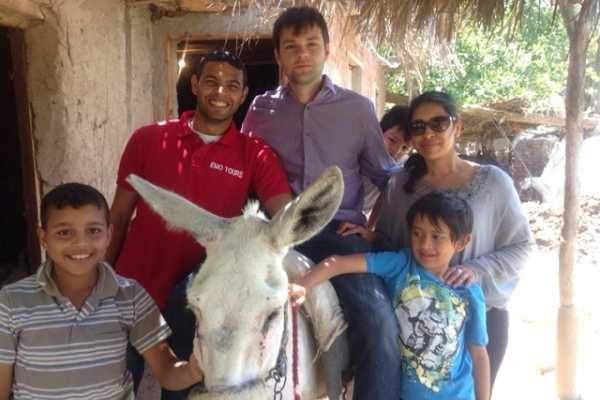 EMO TOURS EGYPT Excursión de Desauyno en una Granja Verde en Giza