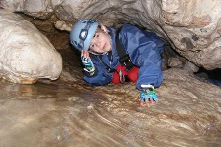 HungaroRaft Kft Caveing