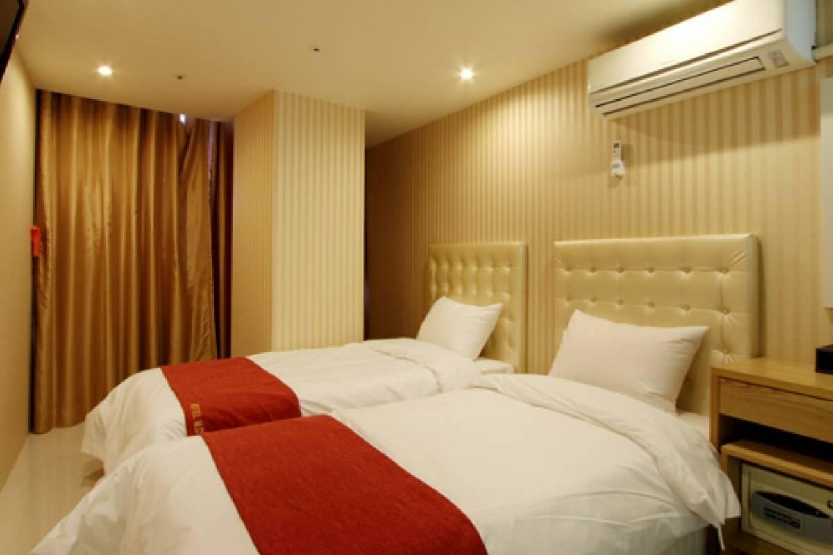 Kim's Travel Hotel Myeong-Dong ★★★