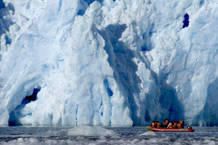 Paula Christensen Ecotours Mallin Colorado y glaciar San Rafael
