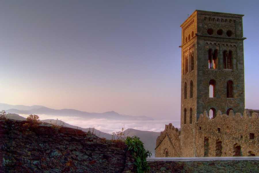 ICONO Serveis Culturals Nit de vins a Sant Pere de Rodes