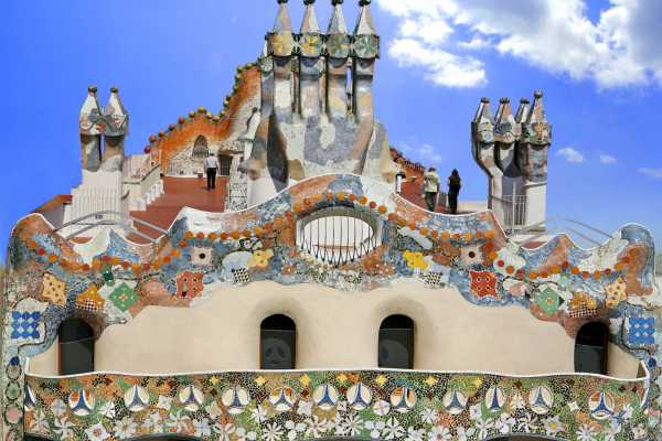 ICONO Serveis Culturals Casa Batlló: Noches mágicas en el Terrat del Drac