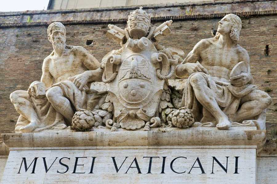 The Rogue Historians Sistine Chapel Tour, with Vatican Museums and St Peter's