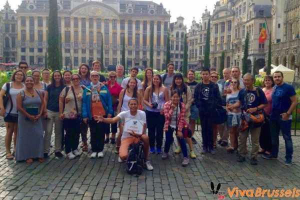- Sombrilla Naranja - Viva Brussels: Tour Gratis en Español