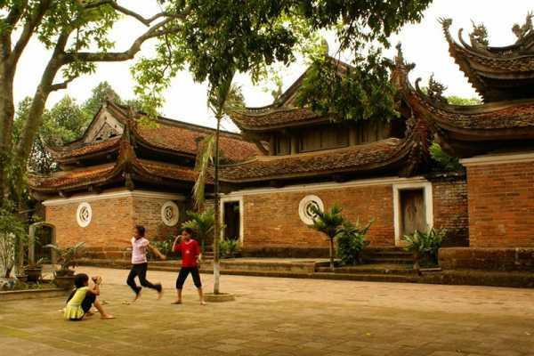 Vietnam 24h Tour TayPhuong Pagoda - Thay Pagoda - Van Phuc Silk Village Tour full day