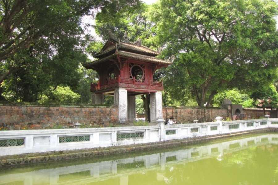 Vietnam 24h Tour 5 Tour Hanoi Package Including City Tour, Bat Trang and Halong Bay