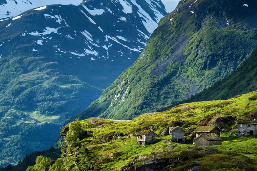 Norway Excursions Geiranger trekking a Westeras