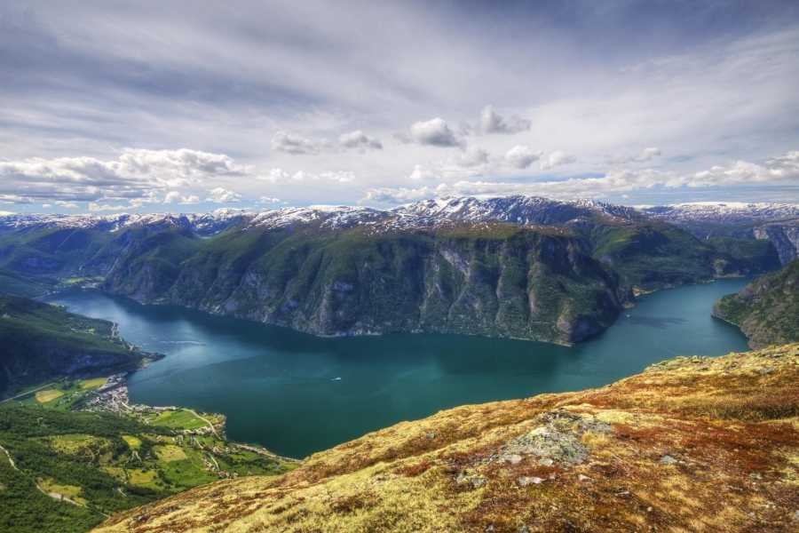 Norway Excursions Olden Huaren Wanderung