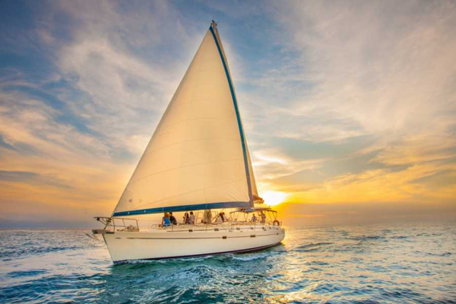 Bahamas Adventures LUXURY SUNSET SAILING