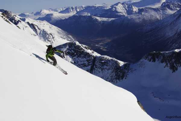 Contrast Adventure Norway Alpine Ski Touring