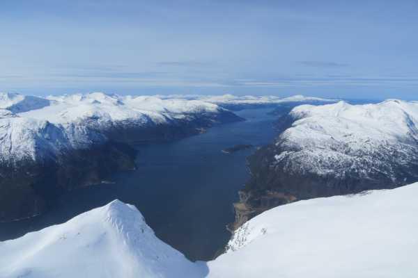 Contrast Adventure Norway 6 dagers toppturturnè på toppen av Fjord Norge