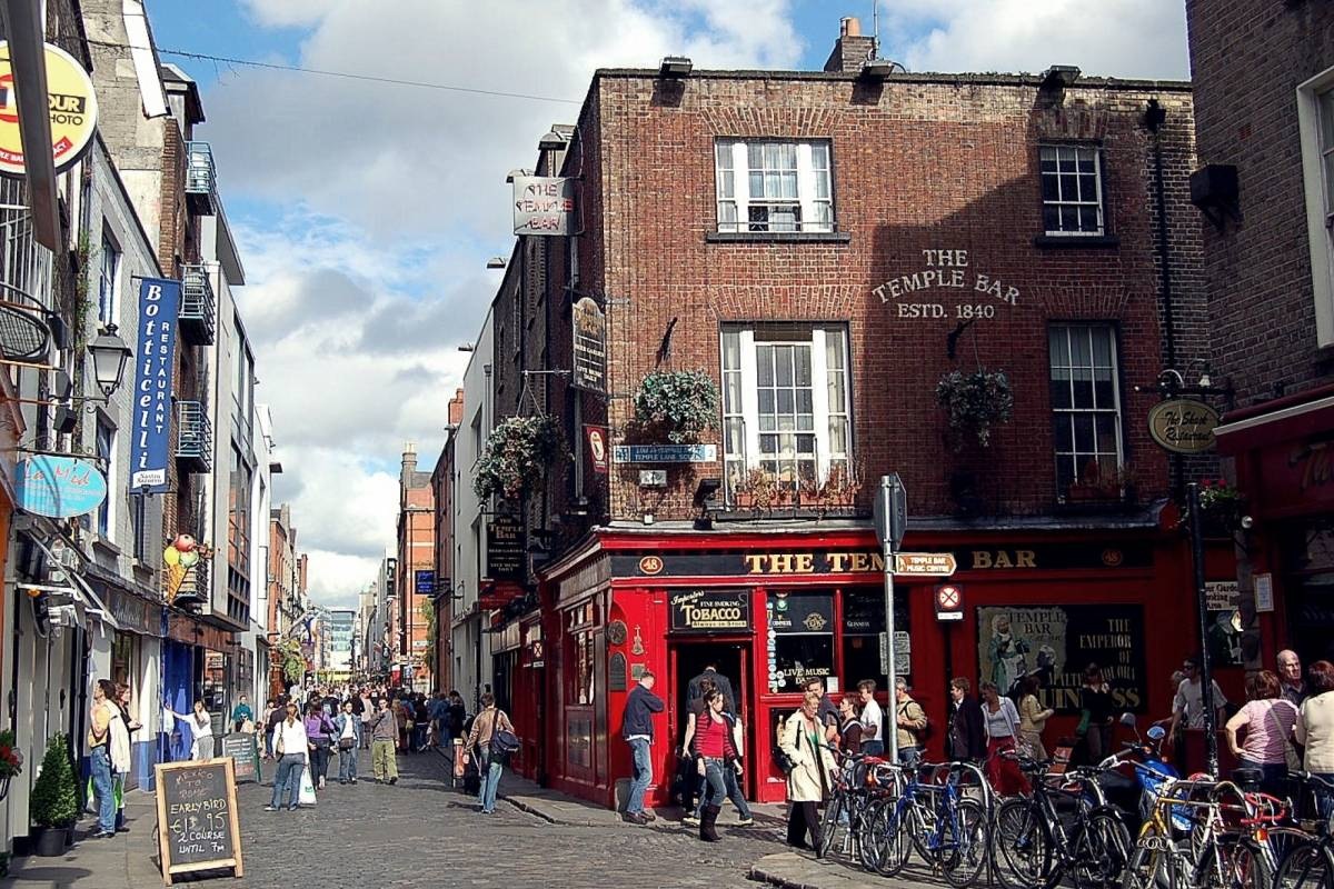 Pat Liddy's Walking Tours of Dublin 4. Private/Group Walk