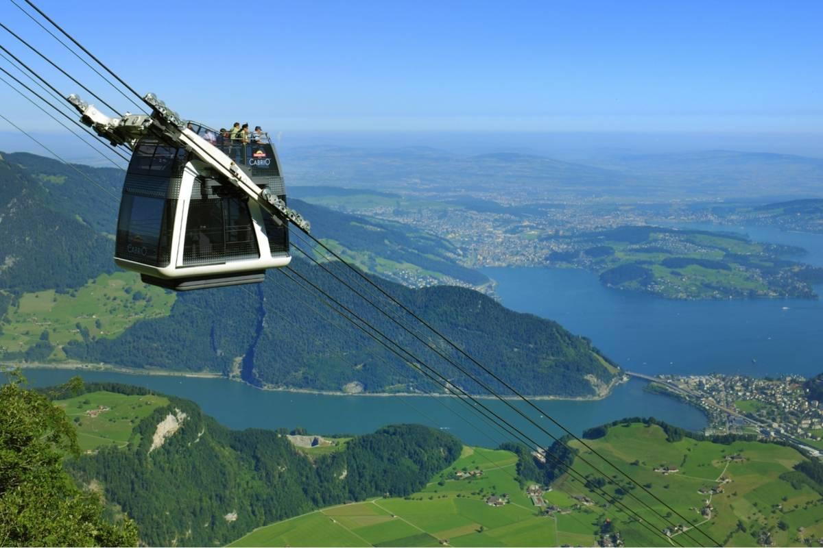 Best of Switzerland Tours Stanserhorn – Teleférico descapotado