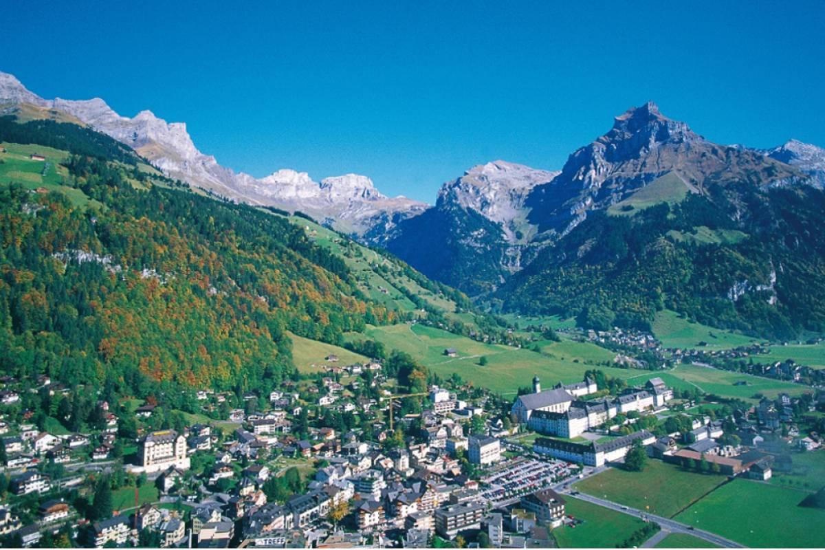 Best of Switzerland Tours Engelberg - Típico pueblo alpino de Suiza
