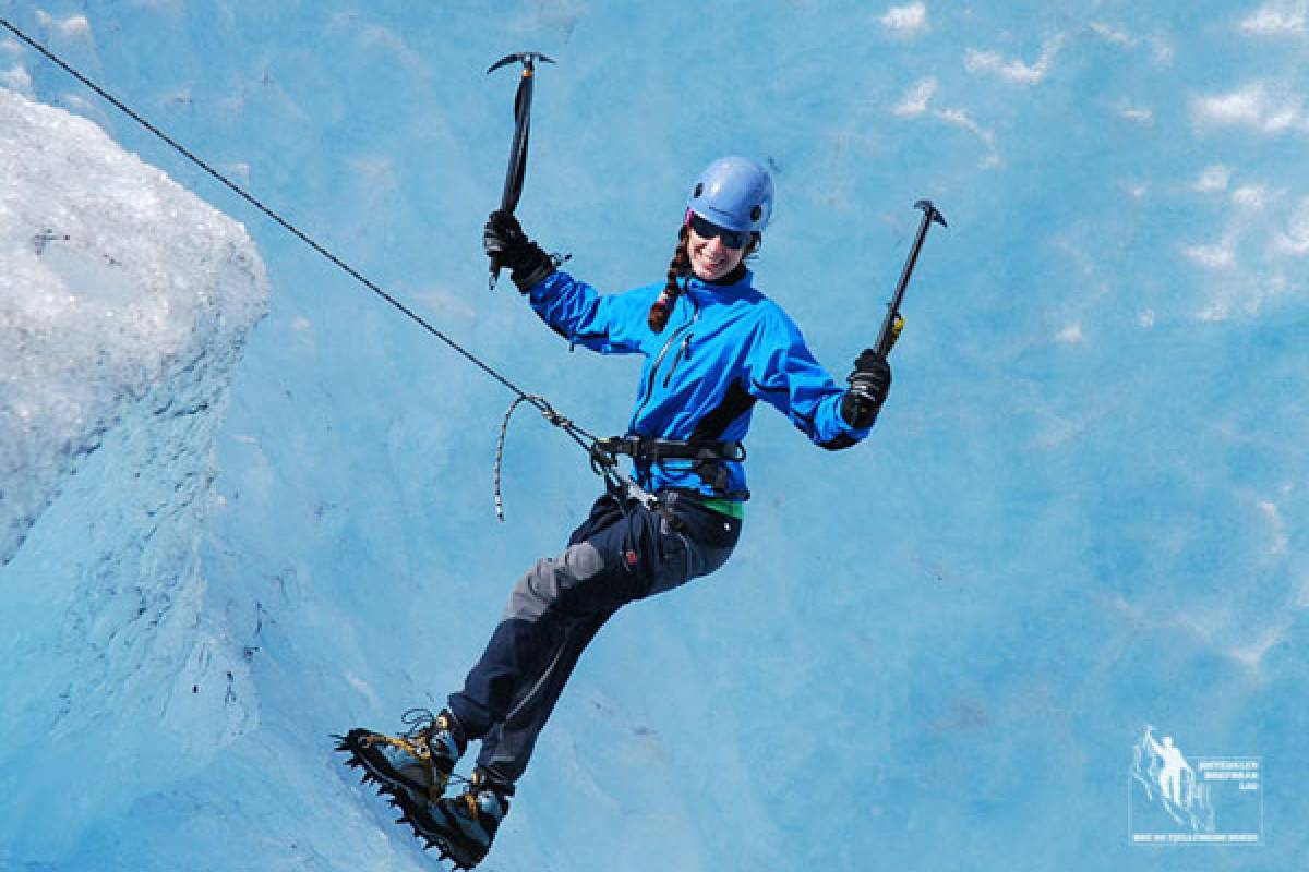 Jostedalen Breførarlag Private Special Blue Ice Hike