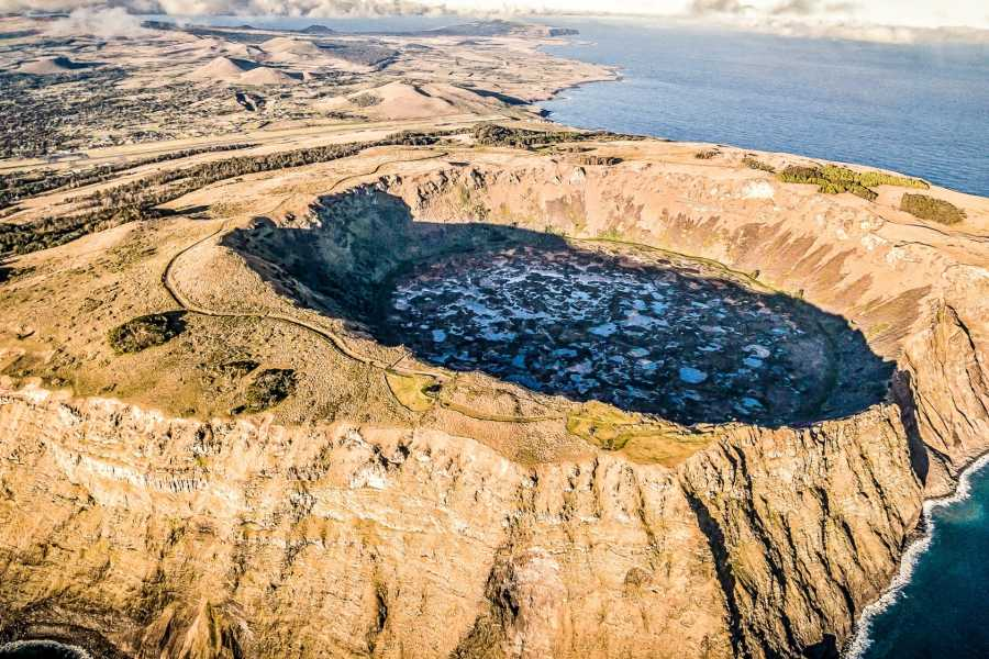 Green Island Tours - Easter Island Vai a Tare Crater Walk