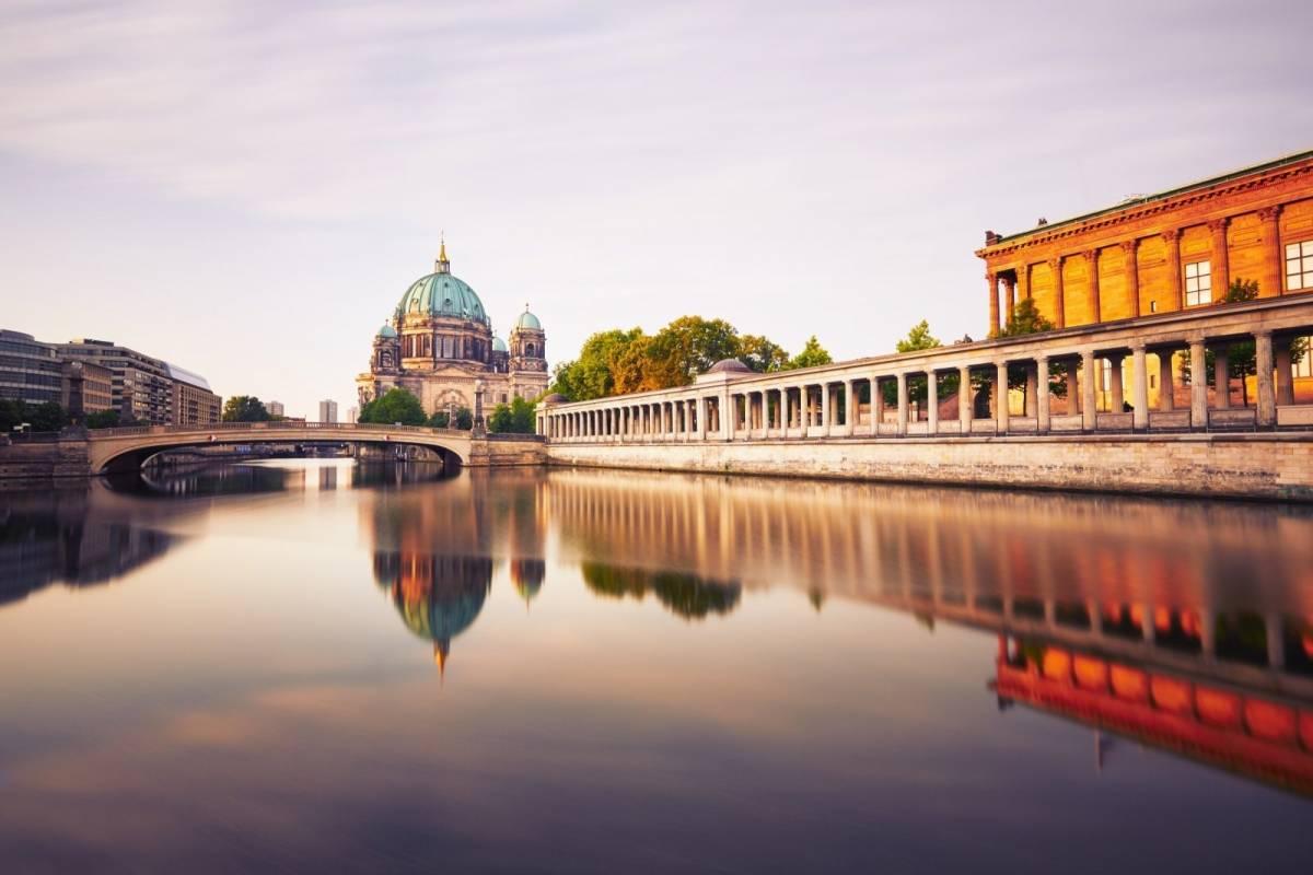 24/7/365 Travel Prague Berlin Shuttle