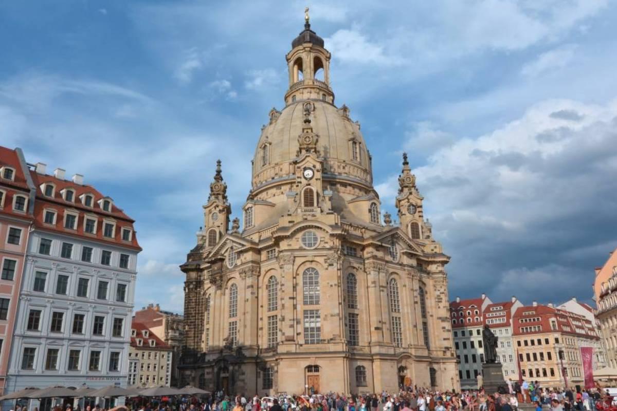 24/7/365 Travel Prague Dresden Taxi