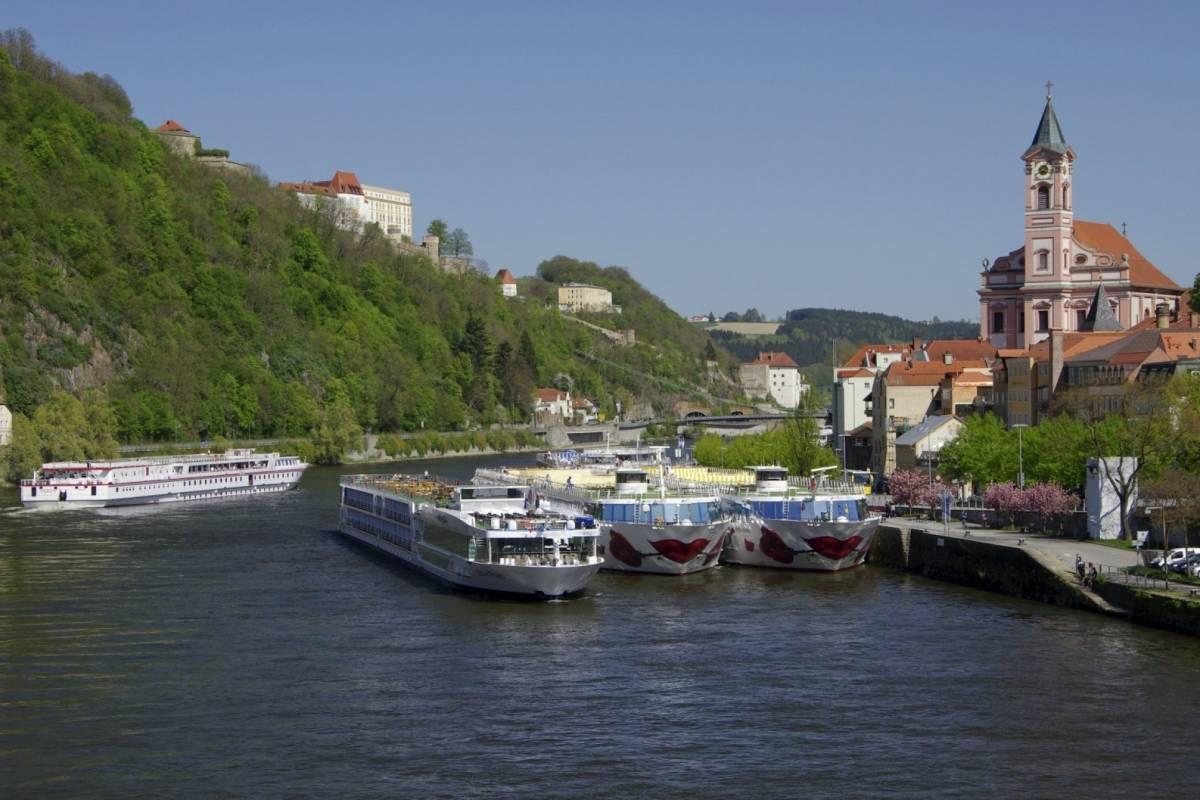 24/7/365 Travel Prague Passau Taxi