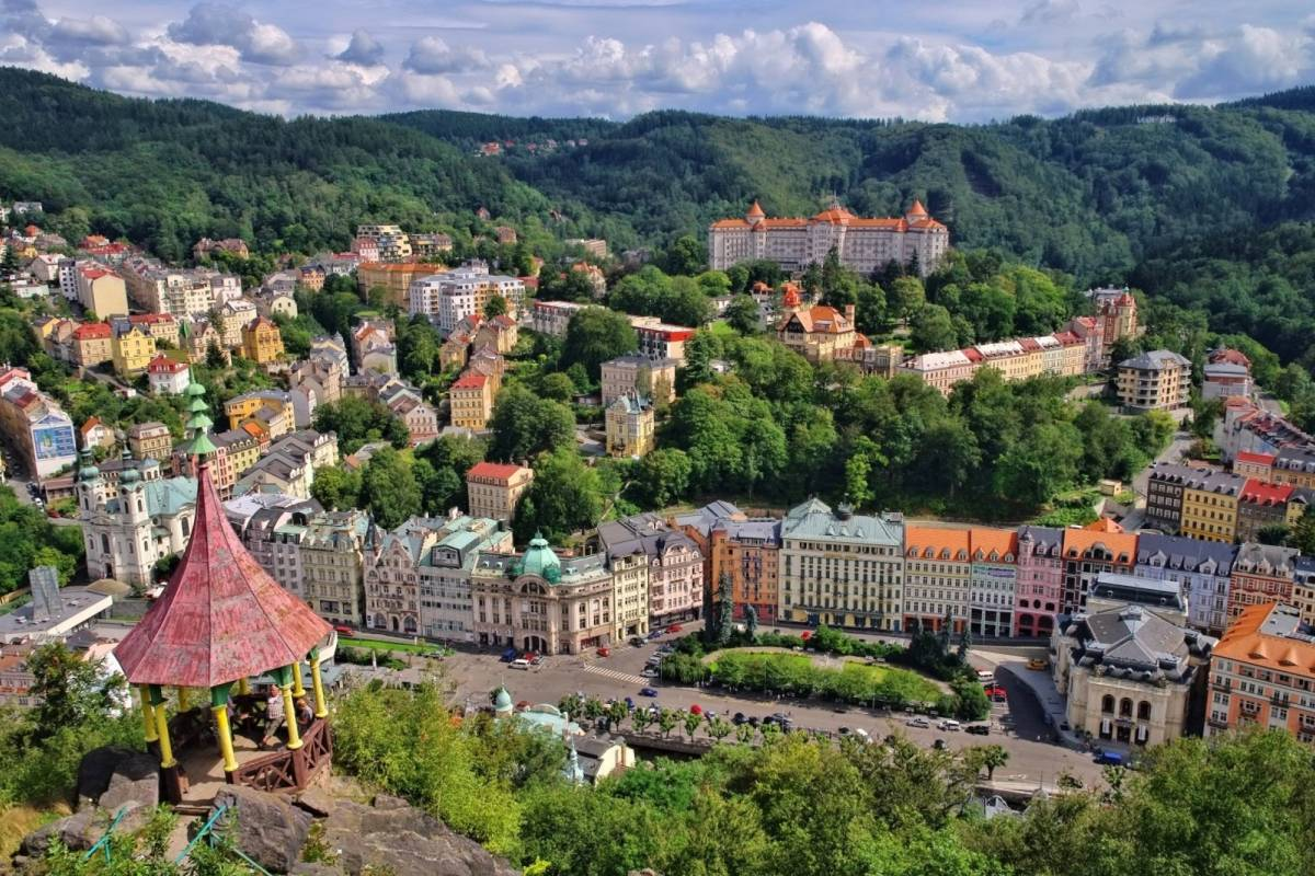 24/7/365 Travel Prague Karlovy Vary Taxi