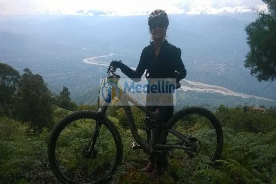 Medellin City Tours Mountain Bikes to Guatape & Peñol