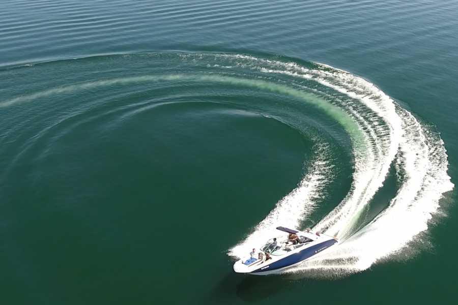 Hensa Lago Marina Fun Boot Tour auf dem Zürichsee mit Kapitän