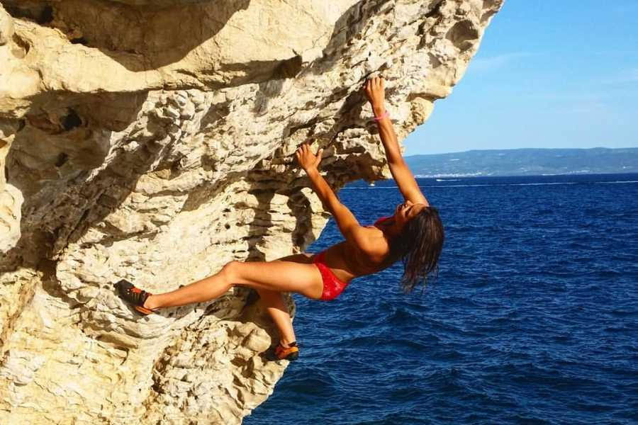 Iris Adventures Croatia Deep water solo and Cliff jumping