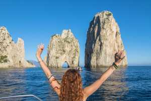 Boat tour of the Island of Capri by Gozzo Sorrentino