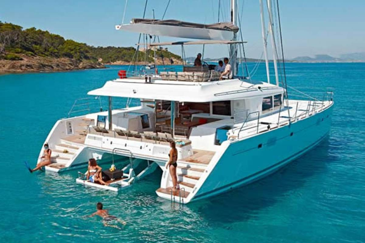 Cacique Cruiser Charter - boat number 2