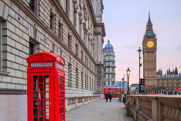 SANDEMANs NEW London Tours FREE Tour of London